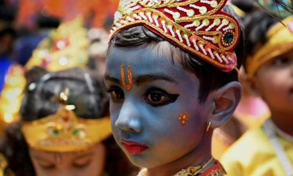 Krishna Janmashtami 2021: ಕೃಷ್ಣ ಜನ್ಮಾಷ್ಟಮಿ ವಿಶೇಷ: ತುಂಟ ಬಾಲಕ, ಕೊಳಲು ವಾದಕ, ಪ್ರೇಮಿ ಯುವಕ, ರಾಜತಂತ್ರ ನಿಪುಣ, ಧರ್ಮ ರಕ್ಷಕ ಶ್ರೀಕೃಷ್ಣ