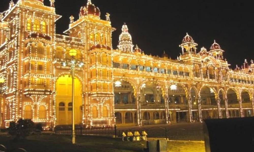 Mysuru Dasara 2021: ಅಕ್ಟೋಬರ್ 1ರಿಂದ ಮೈಸೂರು ಅರಮನೆಗೆ ಸಾರ್ವಜನಿಕರಿಗೆ ಪ್ರವೇಶ ನಿರ್ಬಂಧ